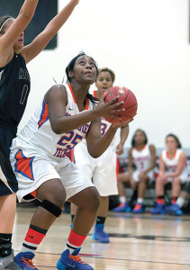 Lady Stormers defeat the Rochester Yellow Jackets
