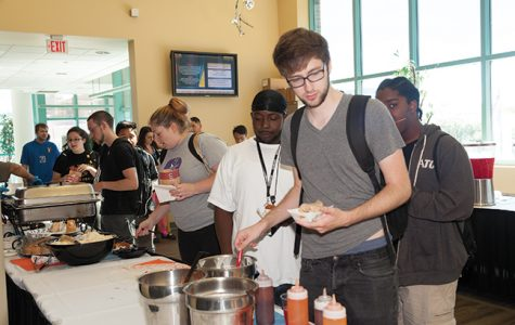 College welcomes students, staff and faculty with free food