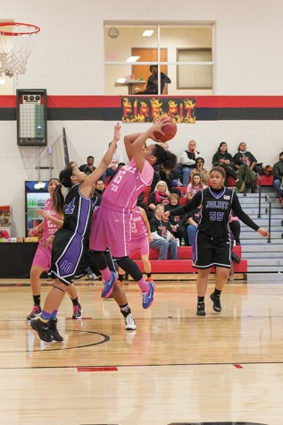 Hot-shooting trio clinches N4C conference with win over Joliet
