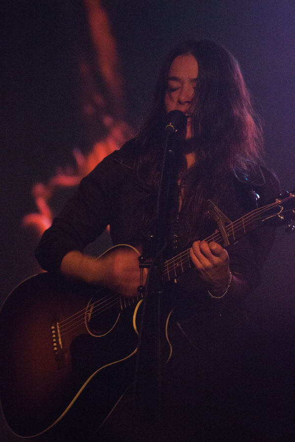 Rachael+Yamagata+rocks+the+guitar+and+stuns+the+audience+with+her+angelic+voice+Feb.+5+at+the+Back+Room.