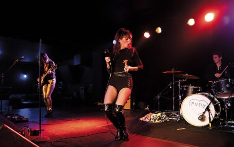 Molly Sides, lead singer of Thunderpussy, belts out one of their songs at the Rave on Oct. 19.
